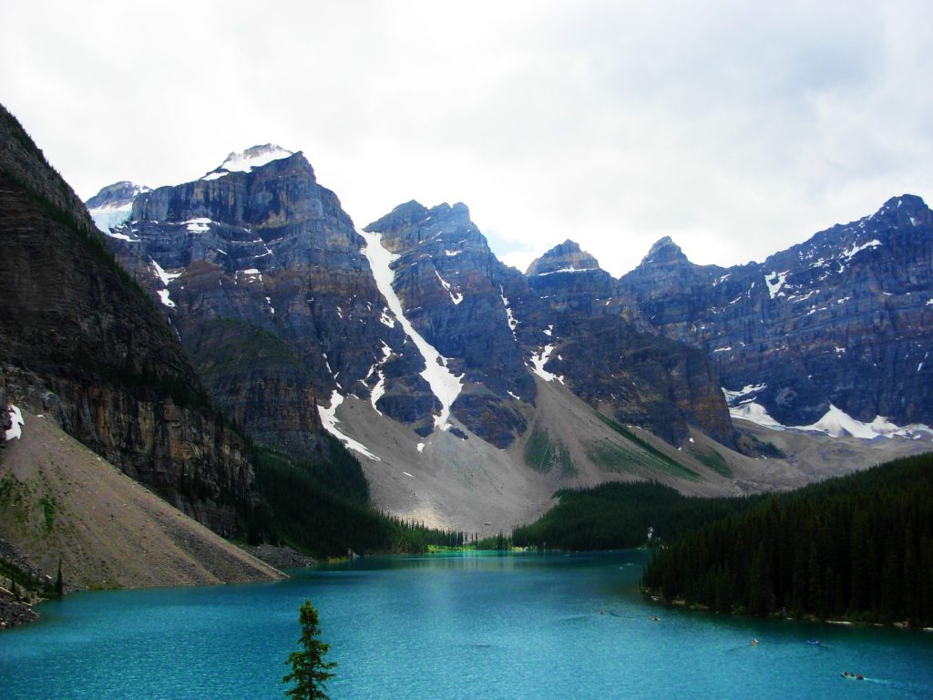 Things to do in Alberta, Canada - Moraine Lake