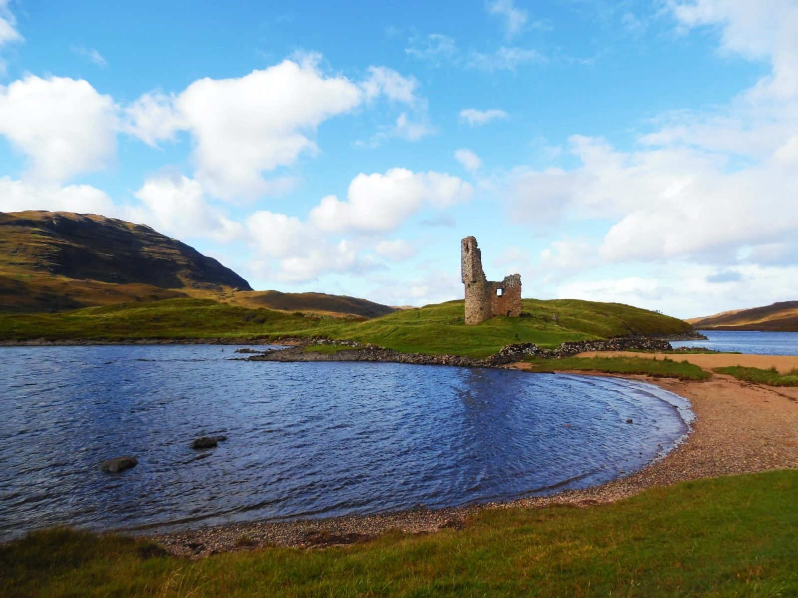 Ardvreck Castle on the shores of Loch Assynt - One of the prettiest places in Scotland!